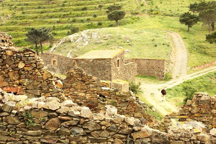 Ruines entre Collioure et Cadaqués
