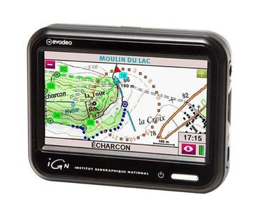 Le GPS Evadeo Primo de chez IGN, GPS hybride pour la voiture et la randonnée