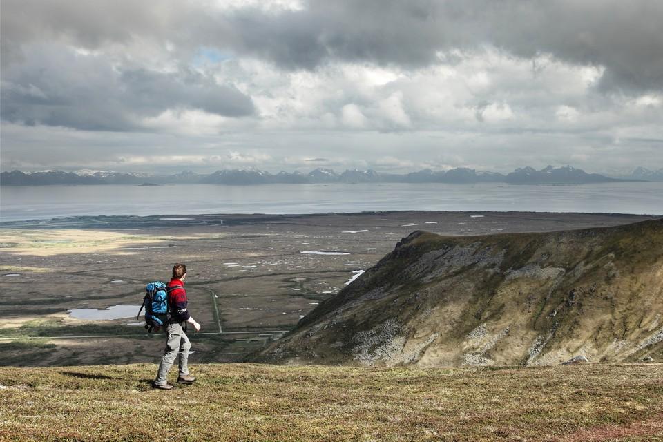 Balade au bout des îles Vesteraelen et vue sur l'île de Senja, Norvège, juin 2012