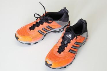 Adidas SuperNova riot 4