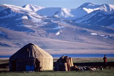 Kirghizistan, Monts Celestes, Pic Lenine, Lac Issik-koul