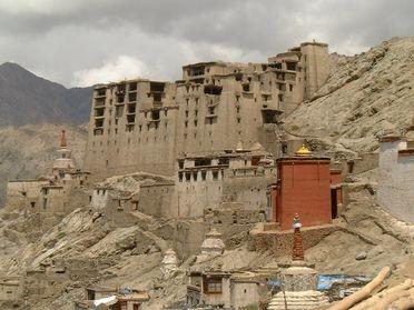Plus de touristes et moins de tibétains au Tibet en 2007