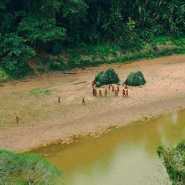 Tribus inconnues et isolées en Amazonie